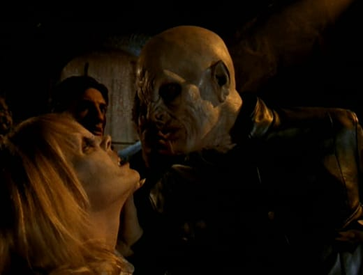 Obeying The Master - Buffy the Vampire Slayer Season 1 Episode 2