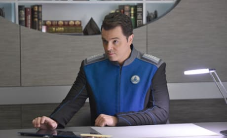 Captain's Office - The Orville Season 1 Episode 1