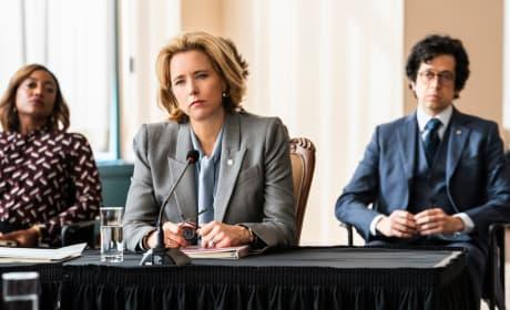 Bess Finalizes a Deal - Madam Secretary Season 5 Episode 15