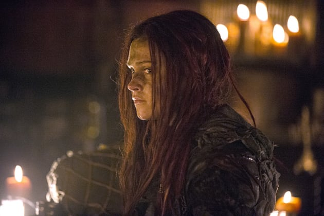 Distressed Clarke - The 100 Season 3 Episode 1