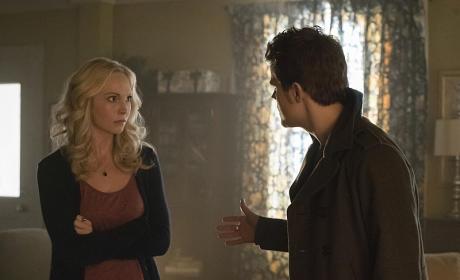 Helping Caroline Cope - The Vampire Diaries Season 6 Episode 12