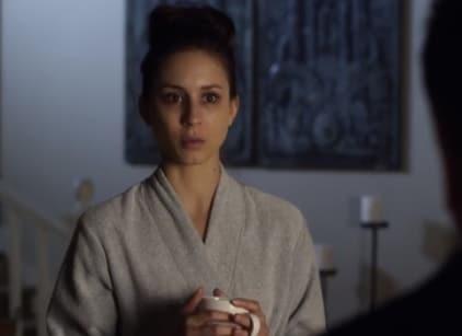 Watch Pretty Little Liars Season 4 Episode 21 Online