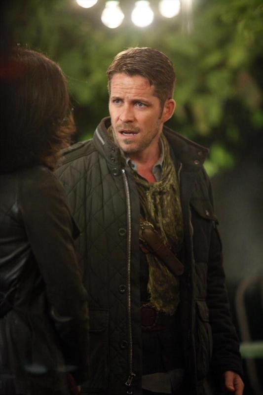 Caught Between Two Lovers - Once Upon a Time Season 4 Episode 1