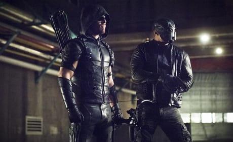 Watching - Arrow Season 4 Episode 21