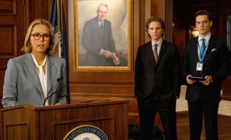 Press Confernce - Madam Secretary Season 4 Episode 4