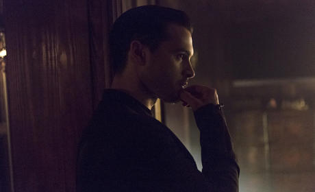 Ponderous Enzo - The Vampire Diaries Season 7 Episode 5