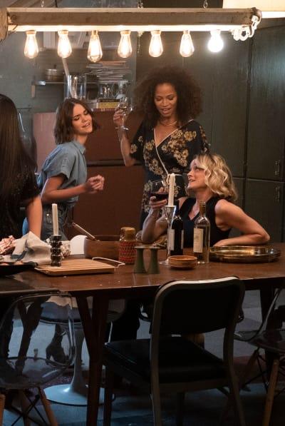 Wine Moms - Good Trouble Season 1 Episode 5
