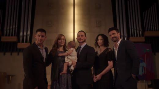 Family Photo - Kingdom Season 3 Episode 4