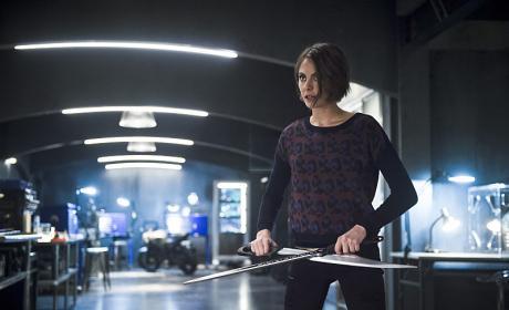 Armed - Arrow Season 4 Episode 18