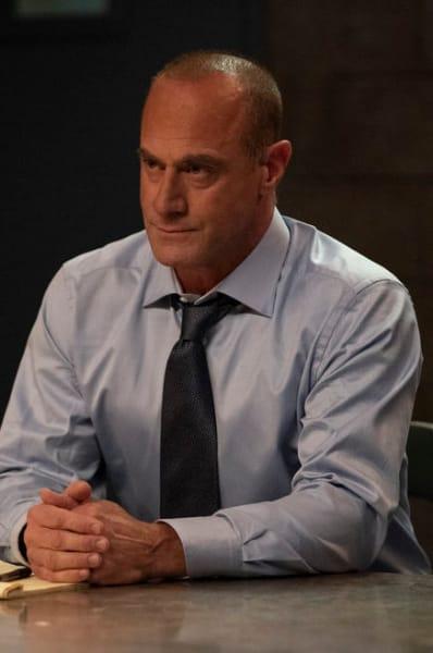 Christopher Meloni Returns - Law & Order: SVU Season 22 Episode 9