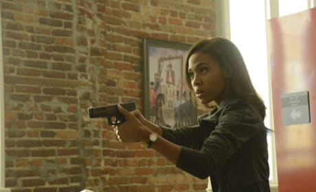 Abbie Encounters the Weeping Lady - Sleepy Hollow Season 2 Episode 5