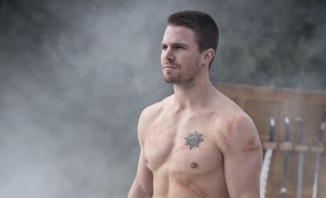Hot Body Shot - Arrow Season 3 Episode 9