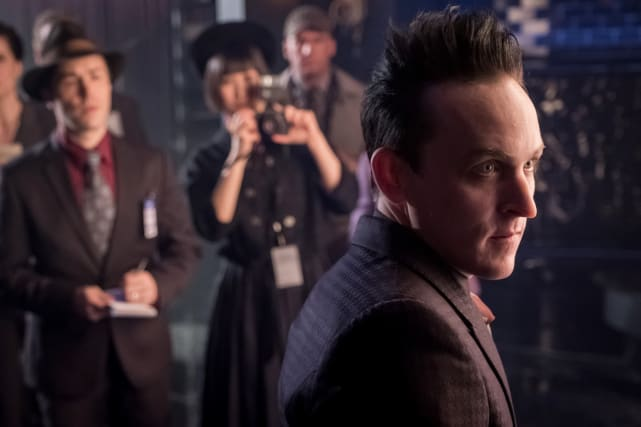 Picture, PIease! - Gotham Season 4 Episode 1