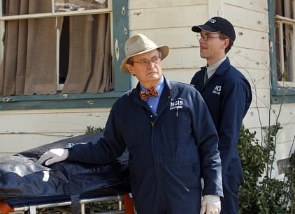 Watch NCIS Season 10 Episode 22 Online