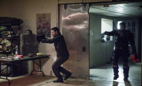 What Are They Doing - Arrow Season 6 Episode 6