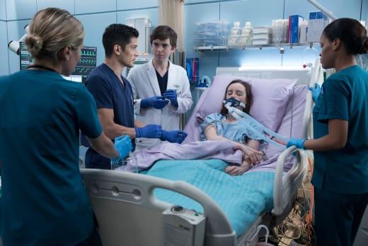 Avery needs help - The Good Doctor Season 1 Episode 8