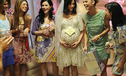 90210 Spoiler Pics: Here Comes the Pregnant Bride