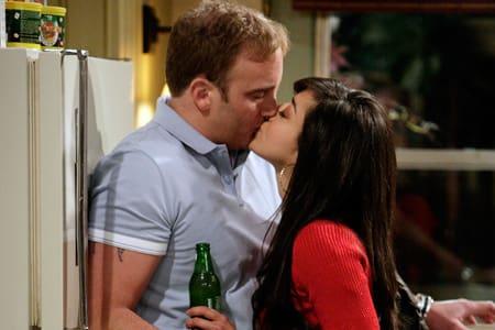 Anna Kisses Gary