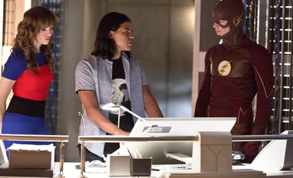 The Flash Photo Preview: A Snart Move