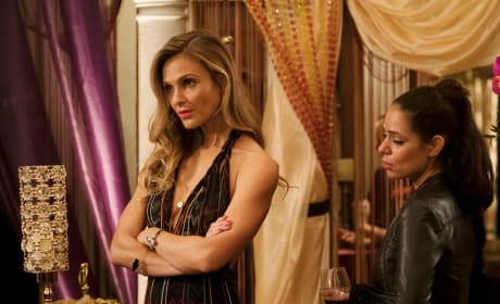 You Were Not Invited - Girlfriends' Guide to Divorce Season 4 Episode 1