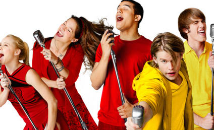 Glee Season 6 to Introduce Gay Football Player, Twin Cheerios and More