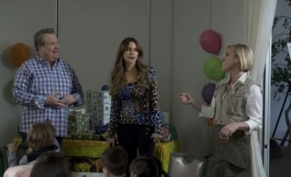 Modern Family Season 9 Episode 22 Review: Clash of Swords