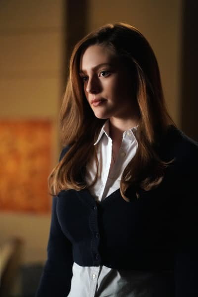 Help Me, Please! - Legacies Season 1 Episode 1