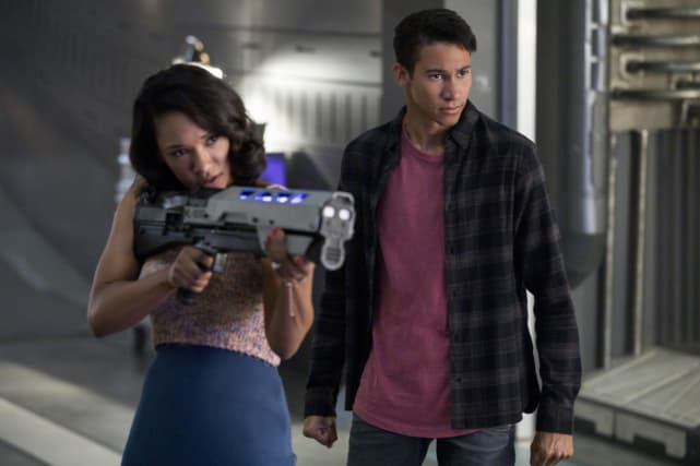 Brother-Sister Crime-Fighting Unit - The Flash Season 4 Episode 2