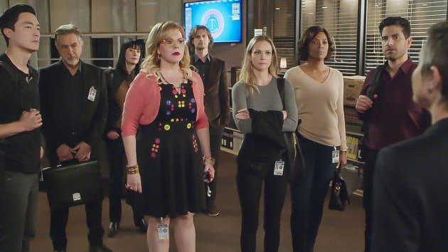 BAU at Attention - Criminal Minds Season 13 Episode 15