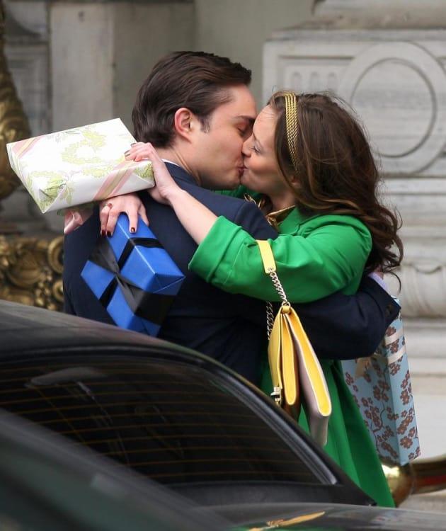 chuck and blair kissing