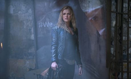 Post-Apocalyptic Hashtag - The 100 Season 2 Episode 12