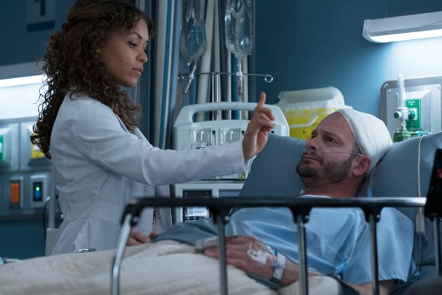 Claire and her patient - The Good Doctor Season 1 Episode 13