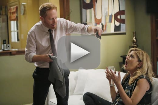 Modern Family Season 6 Episode 9 Review: Strangers in the Night - TV