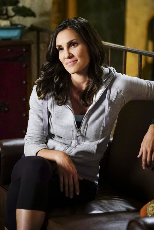 Kensi at work - NCIS: Los Angeles Season 8 Episode 12