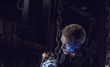 ATOM in Trouble - Arrow Season 3 Episode 19
