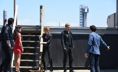 Simon shows up - Shadowhunters Season 1 Episode 3