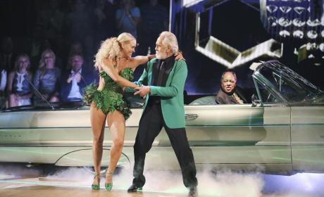 Tommy Chong and Peta Murgatroyd Dance the Cha Cha - Dancing With the Stars Season 19 Episode 1