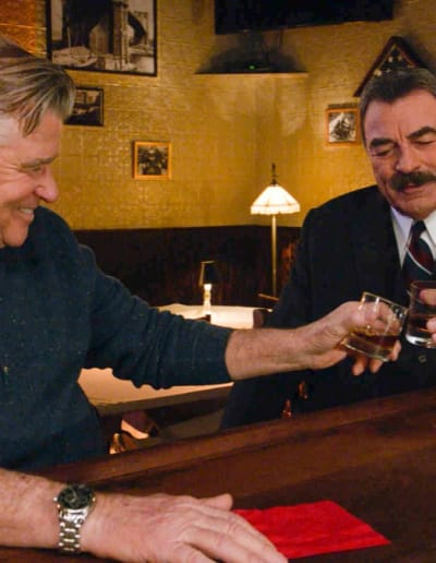 (TALL) Reunited With an Old Friend - Blue Bloods Season 9 Episode 17
