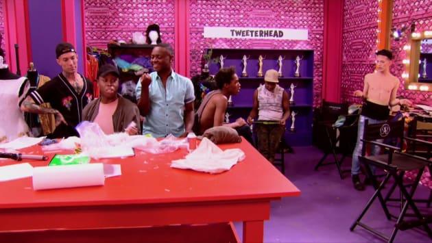 The Vixen Vs. Aquaria - RuPaul's Drag Race Season 10 Episode 3