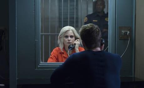 Brains Behind Bars - iZombie Season 2 Episode 8