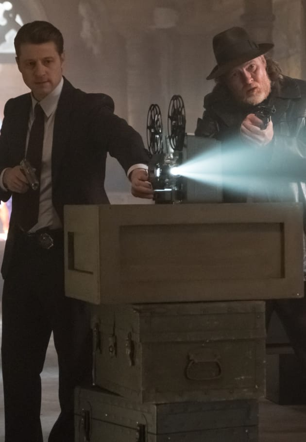 Finding the Bomber - Gotham Season 5 Episode 5