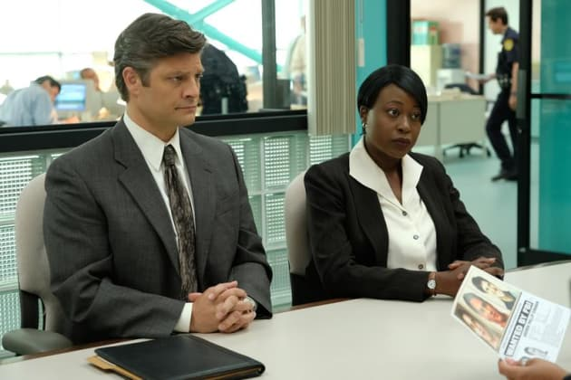 Detectives Gather- American Crime Story: Versace Season 1 Episode 2
