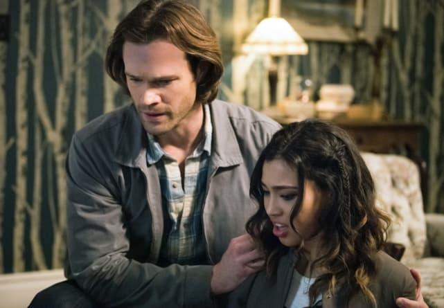 Sam and Alicia look down - Supernatural Season 12 Episode 20
