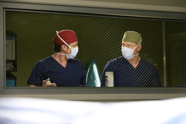 Owen Hunt and Nathan Riggs - Grey's Anatomy Season 13 Episode 12
