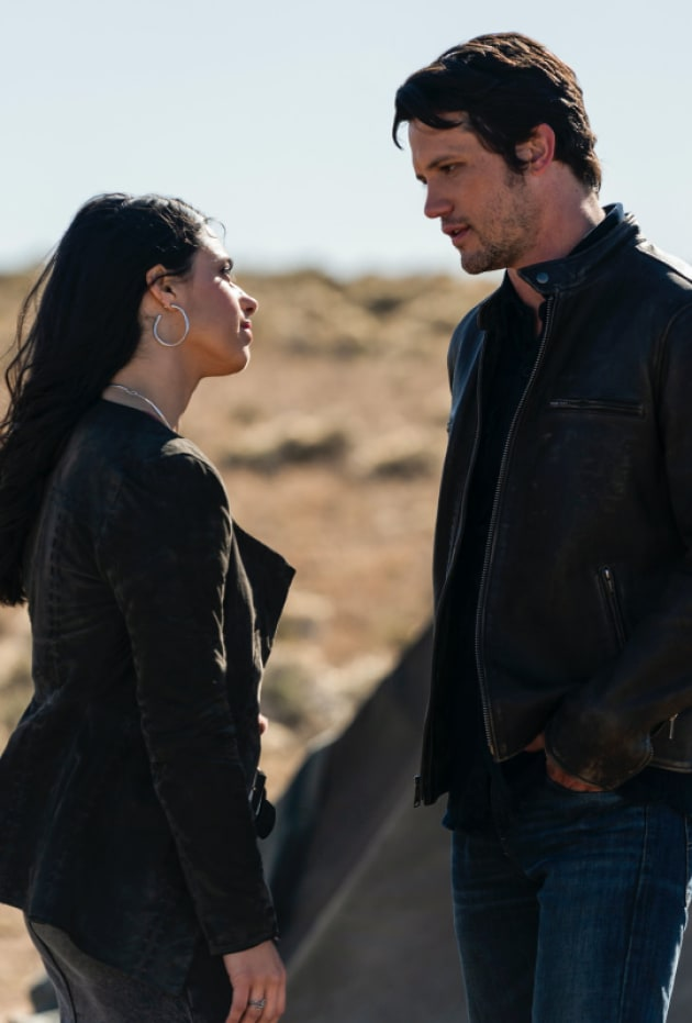 Making the Connection - Roswell, New Mexico Season 1 Episode 9