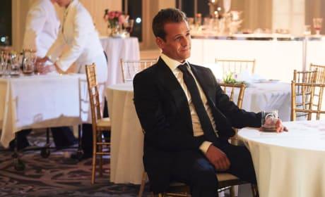 A Truce? - Suits Season 8 Episode 1