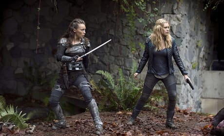 High Alert - The 100 Season 2 Episode 10