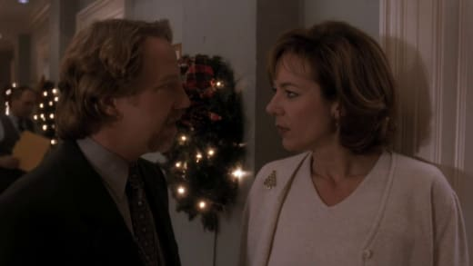 The West Wing Season 1 Episode 10 Review: In Excelsis Deo - TV Fanatic