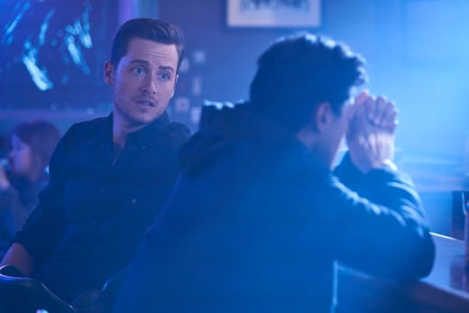 Halstead Works Undercover - Chicago PD Season 5 Episode 7