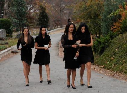 Watch Devious Maids Season 1 Episode 1 Online